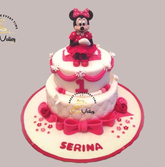 3-D Minnie mouse cakes