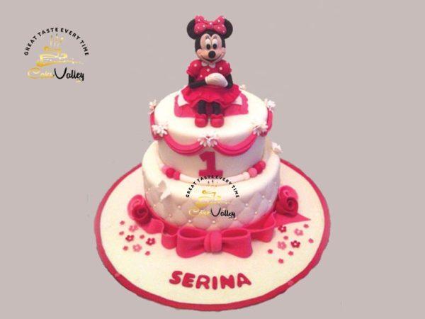 3-D Minnie mouse cakes
