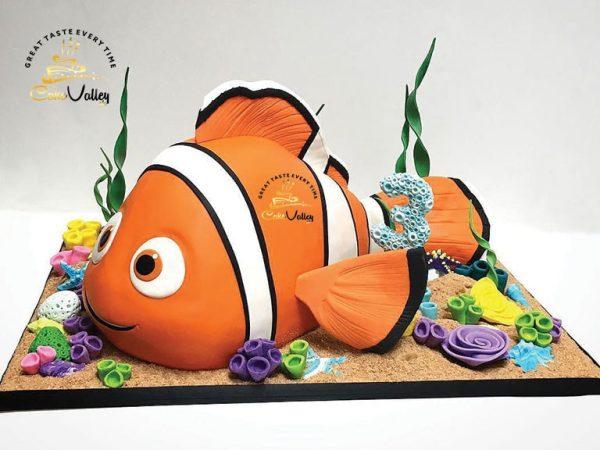 Sculpted Nemo Cake