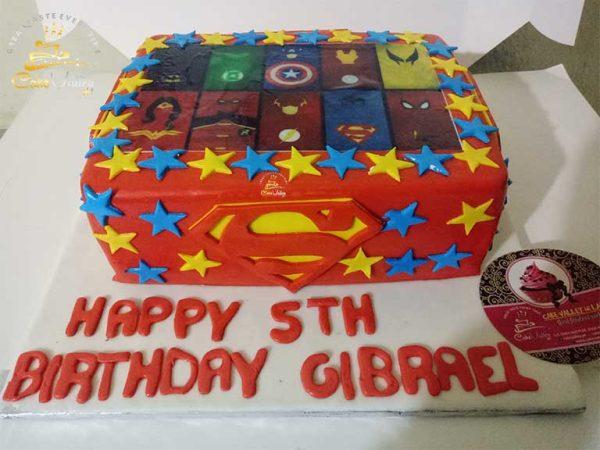 super hero theme cake