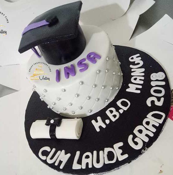 Graduation cake - Congratulations cake