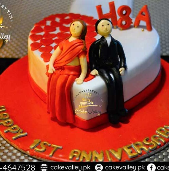 Best Anniversary Cake or Love theme cake