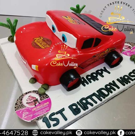 lightning mcqueen car or cartoon theme cake
