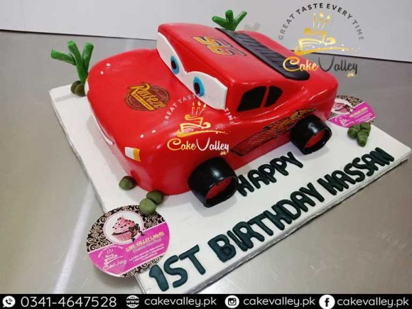 lightning mcqueen car or cartoon theme cake
