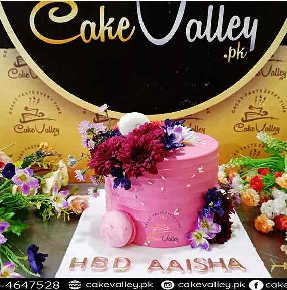 Fresh Flowers theme Birthday cake at Cakevalley.pk