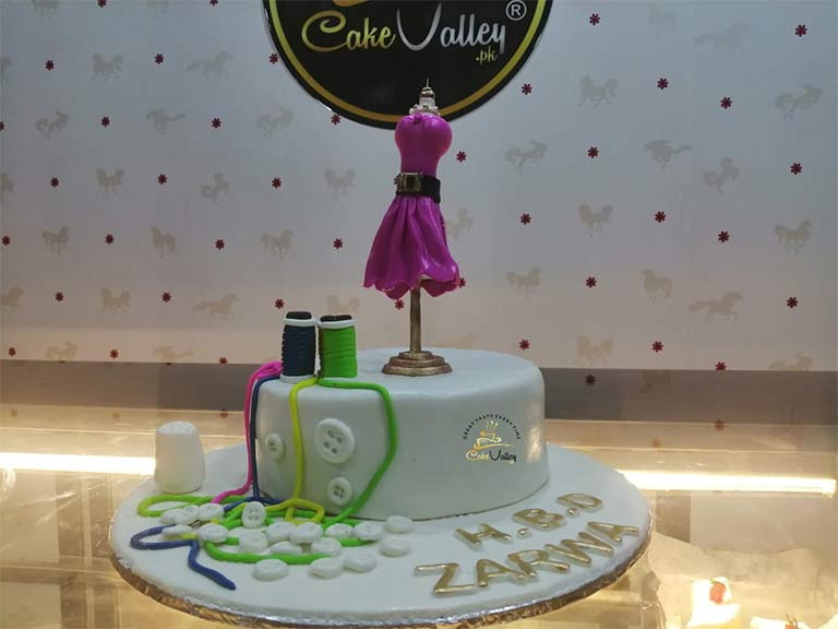 Fashion Designer Cake For Girls In Lahore Pakistan Online Cake Order And Delivery In Lahore Customize Fondant Cakes